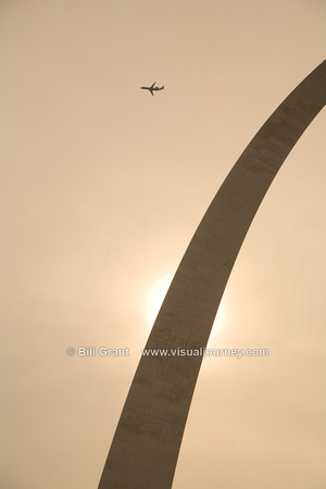 Gateway Arch and Airplane